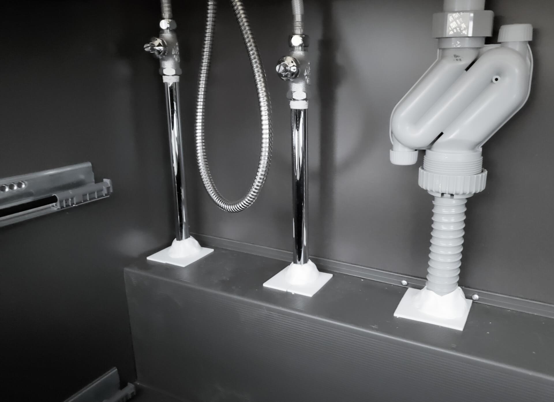 シンク下の水漏れの原因と修理方法