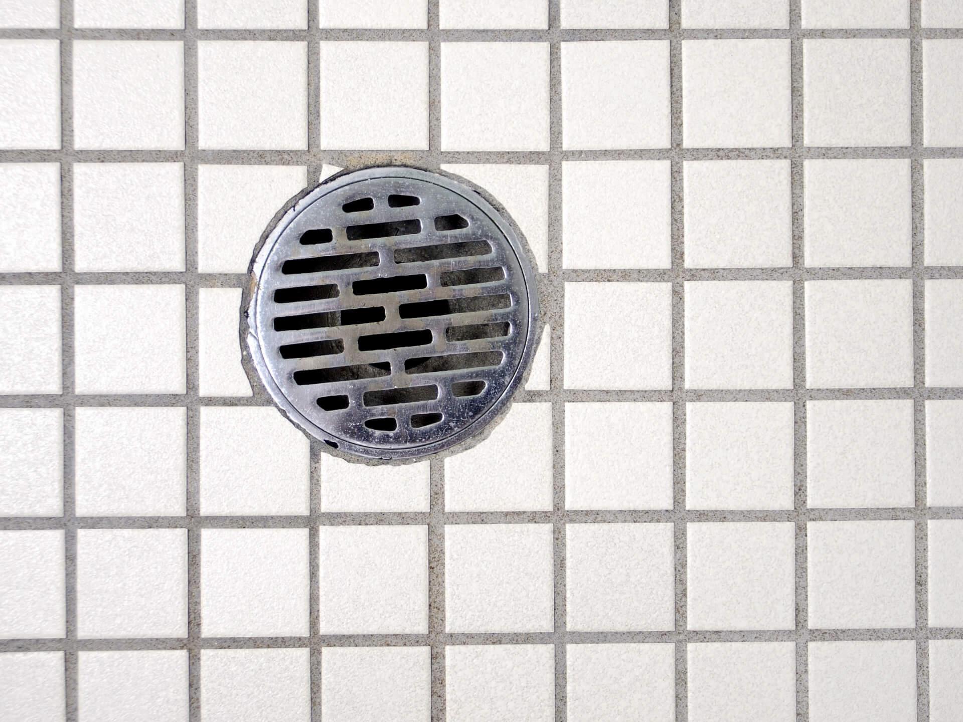 排水溝のつまり・逆流を予防するには