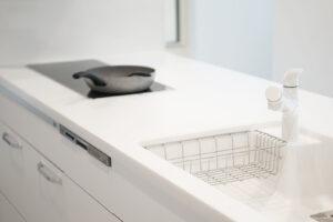 キッチンの排水管・蛇口の水漏れ対処法!自宅でできる応急措置について